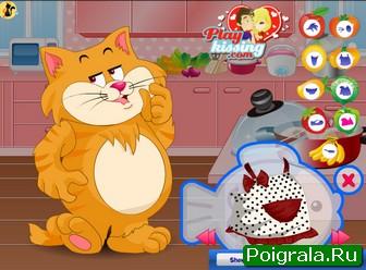 Кот на кухни играть