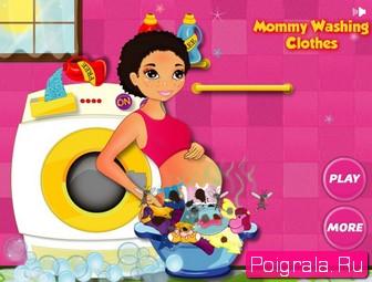 Беременная девушка стирает картинка 1